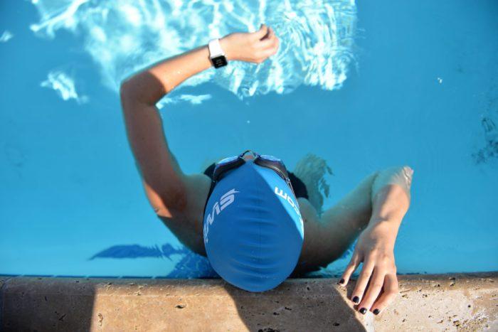 Водонепроницаемые часы для плавания в бассейне