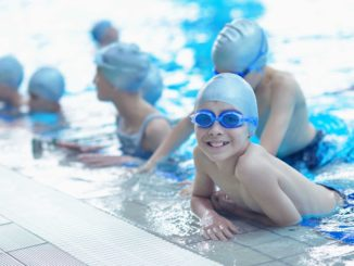 Тренировка по плаванию у детей