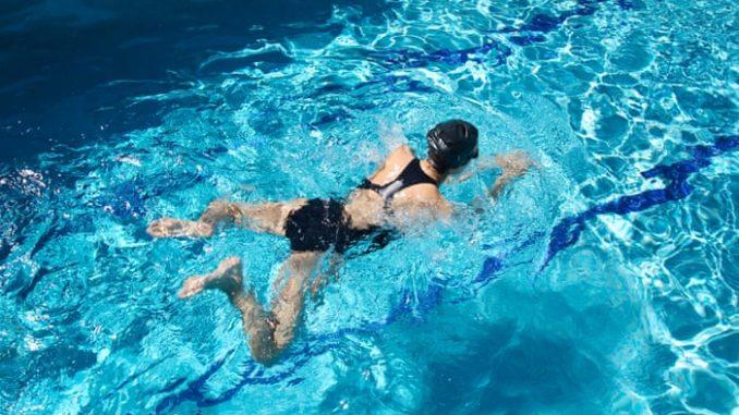 Стиль плавания по-лягушачьи