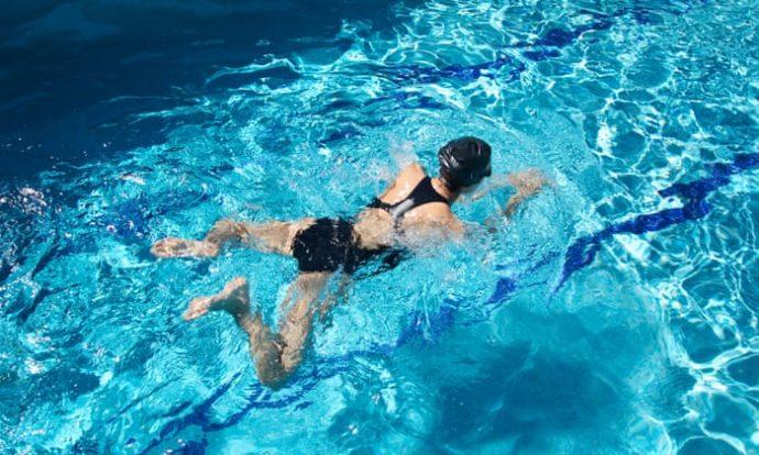 Как научиться плавать по собачьи самостоятельно. Как плавать по–собачьи