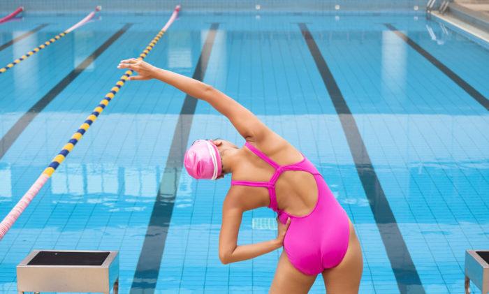 Разминка перед занятием в бассейне
