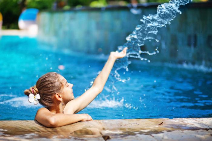 Помощь в борьбе за чистотой бассейна