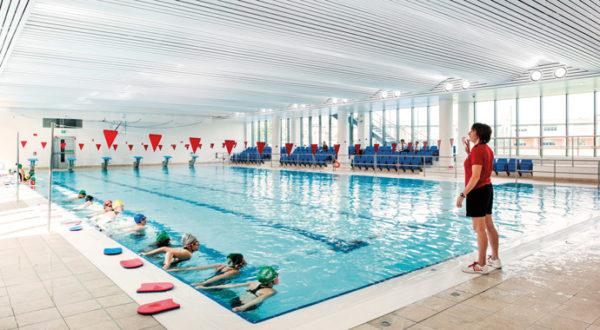 Школьный бассейн