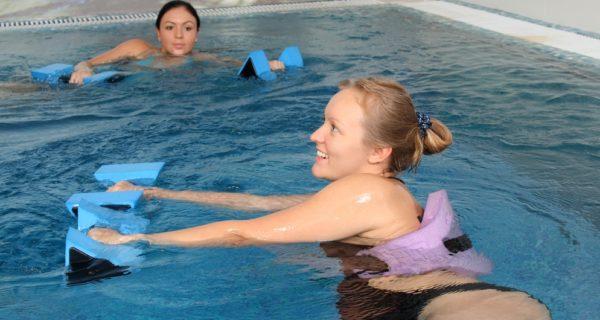 Аэробика в бассейне для беременных
